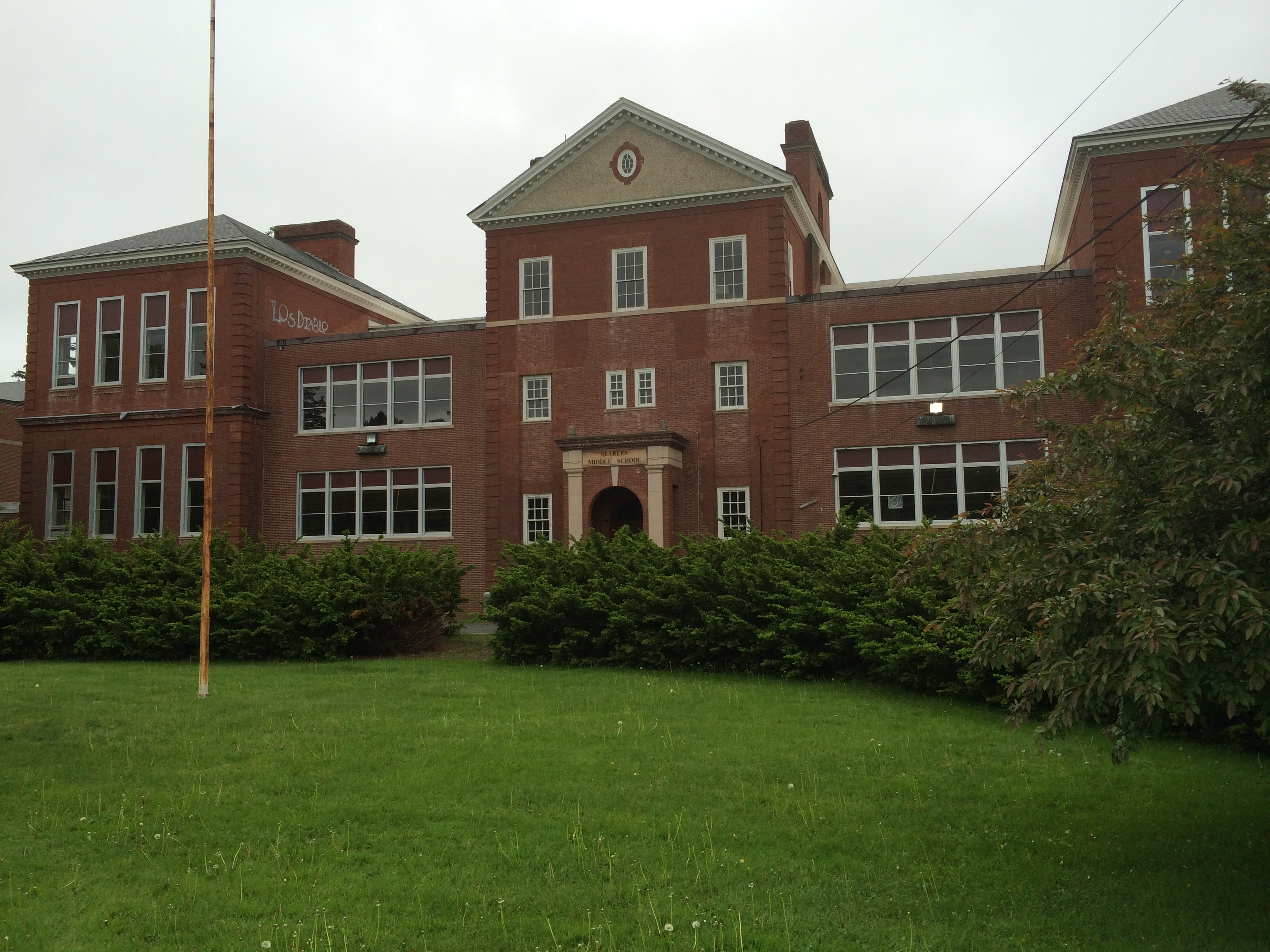 Searles School as it remains today on Bridge Street, across from the Railroad Street Youth Project and Memorial Field.