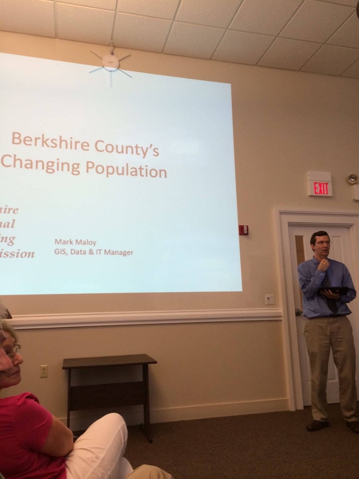 Tim Malloy of the Berkshire Regional Planning Commission presents census data to the Finance Committee.