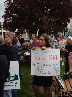 Protests across Massachusetts greeted the $5 billion Kinder Morgan Northeast Direct pipeline project, scubas this gathering in Greenfield.