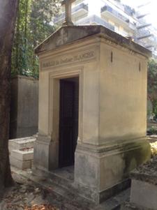 Mausoleum of la Famille Blanche. Photo: Joan Schenkar