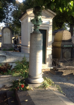 The tomb of Édouard Manet: obscured by a spreading chestnut tree. Photo: Joan Schenkar