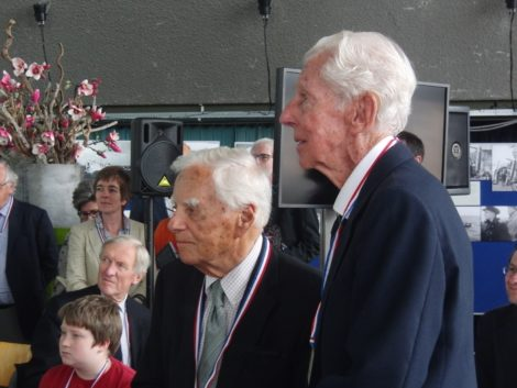 Loet Velmans, left, and Karel Dahmen, another participant in the escape, at the ceremony in The Hague honoring their courage.