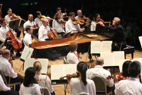 Christian Zacharais leading the BSO at Tanglewood.