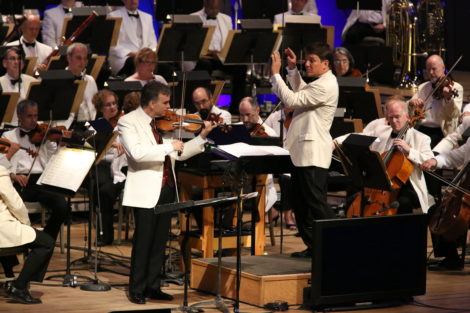 Violinist Gil Shaham, with Keith Lockhart conducting, played the theme from 'Schindler's List.'