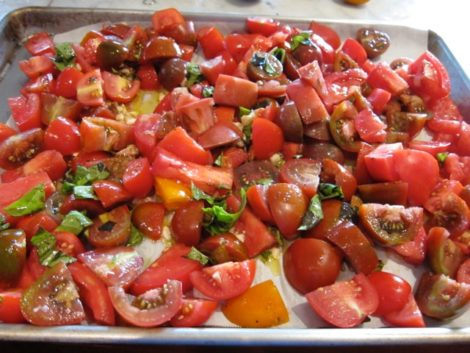 Tomatoes, ready to be roasted.