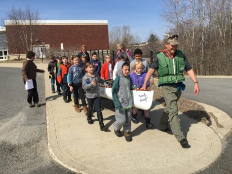 Alsop and Muddy Brook students beginning the hike to Muddy Brook.