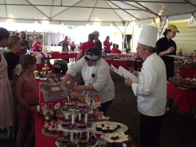 Cupcake judging at the 2015 Columbia County Fair.