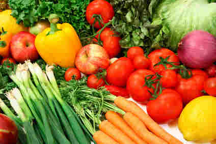 Vegetables and fruit, instead of processed foods, are the core of a healthy diet for the aging brain and body.