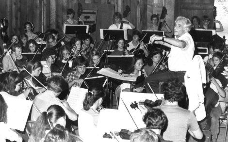 Leonard Bernstein conducts students at Boston University Tanglewood Institute. Photo courtesy of BUTI