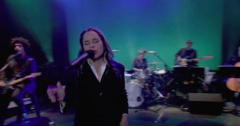 Natalie Merchant in performance.