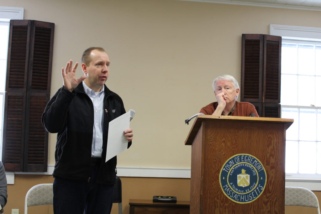 Charter-Spectrum representative Mike Chowaniec, left, addresses a meeting of the Egremont Board of Selectmen in April, while board chair Charlie Flynn listens. Photo: Terry Cowgill