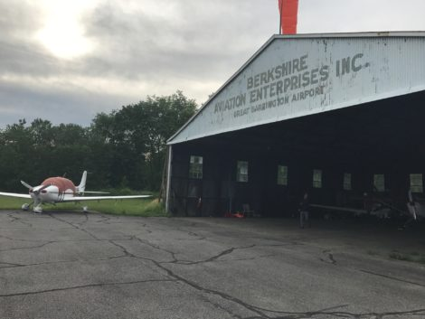 The existing airport hangar adjacent to the airport office, just off Route 23. Photo: Victor Feldman