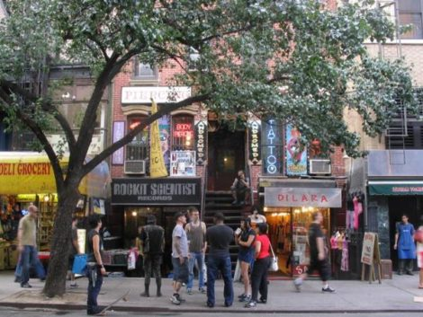 East-Village-New-York-St.-Marks-Place-New-York-vintage-shopping1