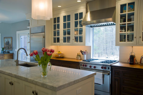 Backsplashes, or not so fast with that tile! | on lighting over stove, crown molding over stove, kitchen windows over sink, kitchen bay window above sink, kitchen windows over cooktop, kitchen windows over countertop, kitchen windows over cabinets, microwaves over stove, roof over stove,