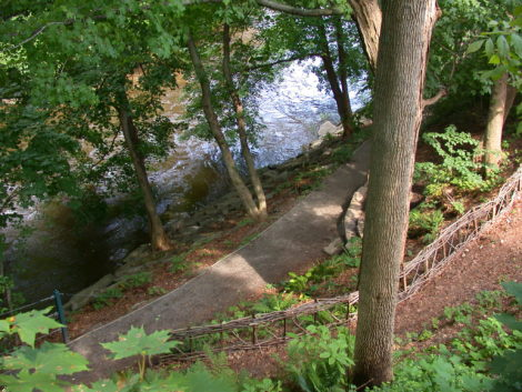 Bits & Bytes: 'Heartflow: Honoring the Housatonic River'; Wild Thing trail race; 'River Art Project 3'; Discover Connecticut bicycle tour; GoldenOak at Race Brook Lodge